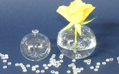 Kugelvase aus klarem Glas