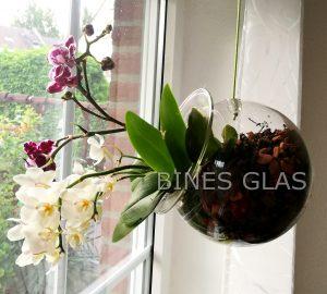... Bepflanzen Von Orchideen Benutzen, Oder Auch Einfach Mal, Mit Etwas  Wasser Befüllen Und Eine Blütenknospe Einlegen, Z. B. Eine Pfingstrose,  Hortensie ...